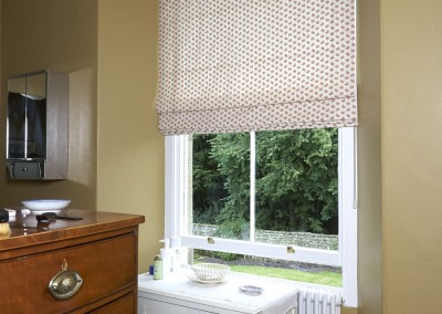 Bathroom - roman blind                     .