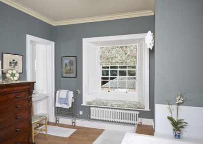 Bathroom - roman blind and window seat